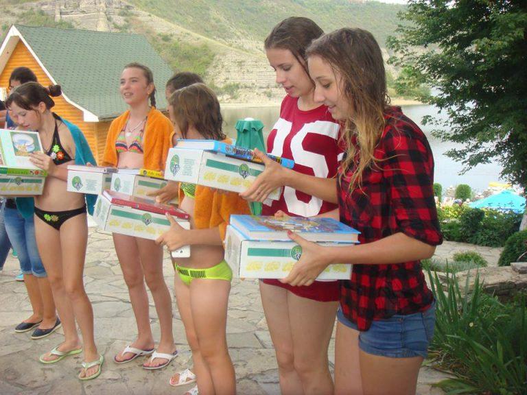 Діти з Луганщини проводять канікули на Хмельниччині - фото 2