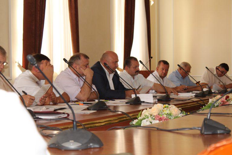 Хмельницький губернатор покращує показники за допомогою співбесід - фото 1